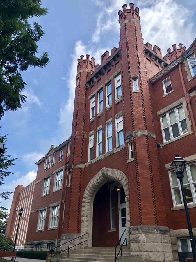 Πανεπιστημιακό παλαιό κτήριο ατόμων του Marshall στοκ εικόνες