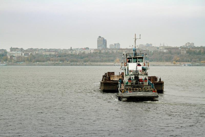 Πανιά βαρκών ` rt-314 ` προωθητών κατά μήκος του Βόλγα στο Βόλγκογκραντ στοκ εικόνες με δικαίωμα ελεύθερης χρήσης