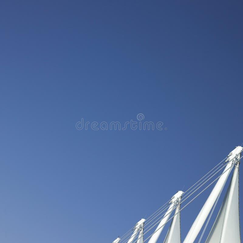 Πανιά και μπλε ουρανός στοκ εικόνα με δικαίωμα ελεύθερης χρήσης