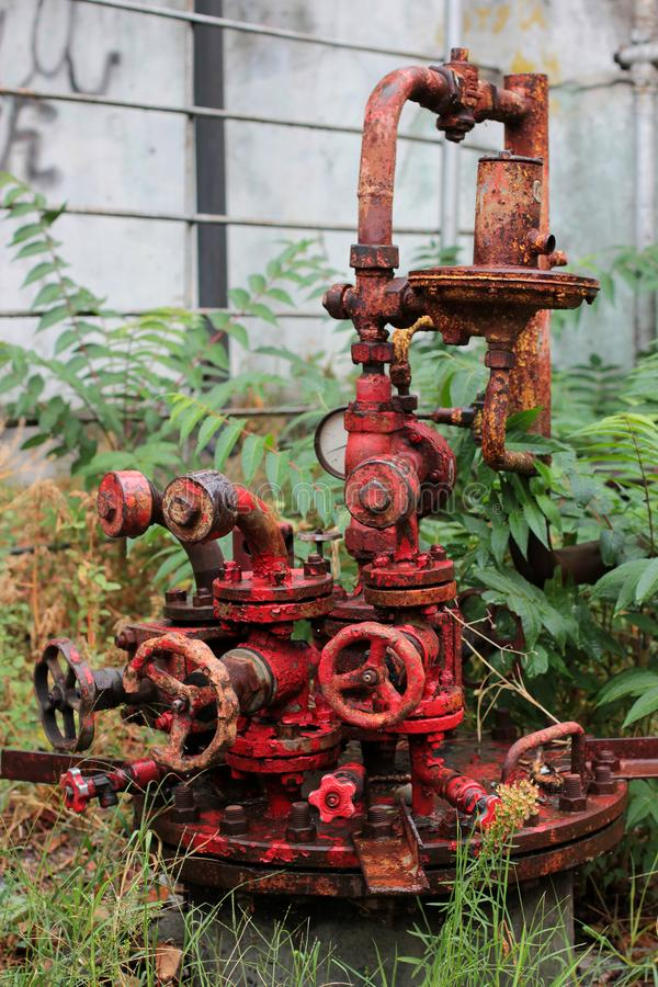 Πανκ κόκκινο σχέδιο ατμού το εργαλείο μηχανισμών σιδήρου στοκ φωτογραφίες