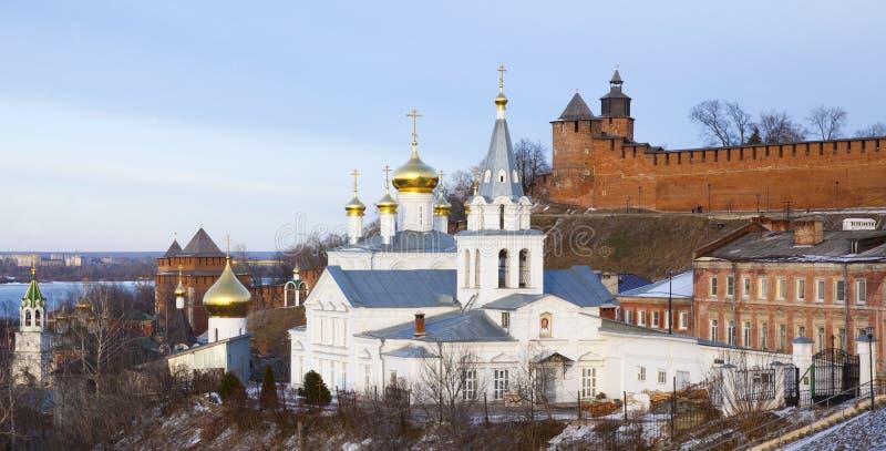 Πανοραμικά εκκλησία και το Κρεμλίνο άποψης άνοιξη στοκ εικόνα
