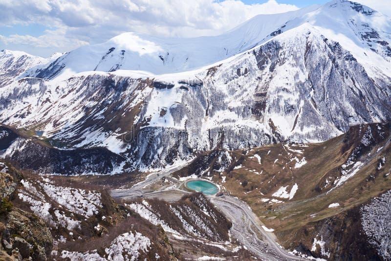 Πανοραμική άποψη από την κορυφή του μνημείου ειρήνης - Gudauri, Γεωργία στοκ εικόνες με δικαίωμα ελεύθερης χρήσης