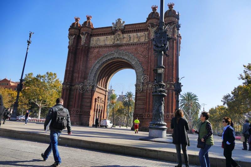 Πανοραμική άποψη αψίδων θριάμβου της Βαρκελώνης Ισπανία Gothical νεωτεριστική στοκ φωτογραφία με δικαίωμα ελεύθερης χρήσης