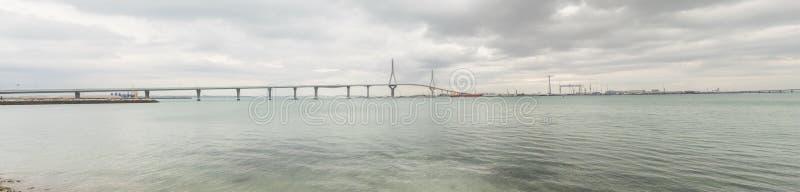 Πανοραμική άποψη γεφυρών του Καντίζ νέα, αποκαλούμενη Pepa ή 1812 Constit στοκ εικόνες με δικαίωμα ελεύθερης χρήσης