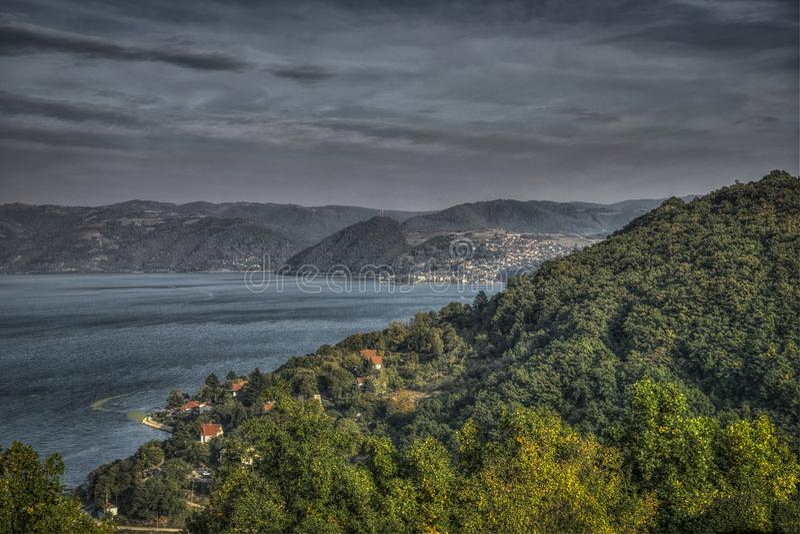 Πανοραμική άποψη Δούναβη και Donji Milanovac στοκ φωτογραφία