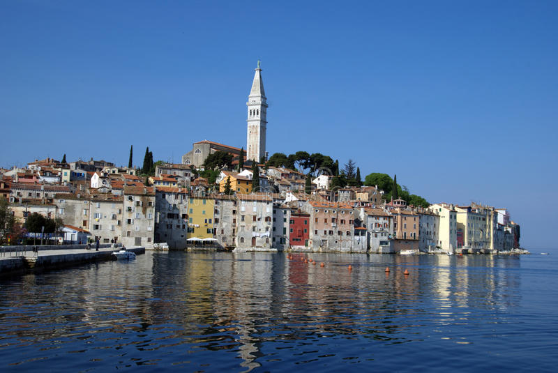 Πανοραμική άποψη θάλασσας σχετικά με την παλαιά πόλη Rovinj, Κροατία στοκ εικόνα