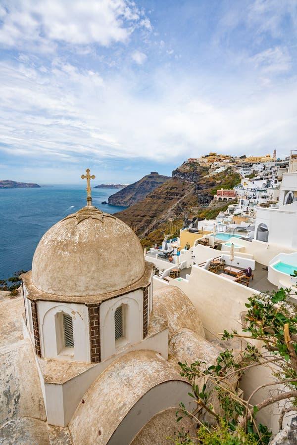 Πανοραμική άποψη και οδοί του νησιού Santorini στην Ελλάδα, πυροβολισμός σε Thira στοκ φωτογραφία με δικαίωμα ελεύθερης χρήσης