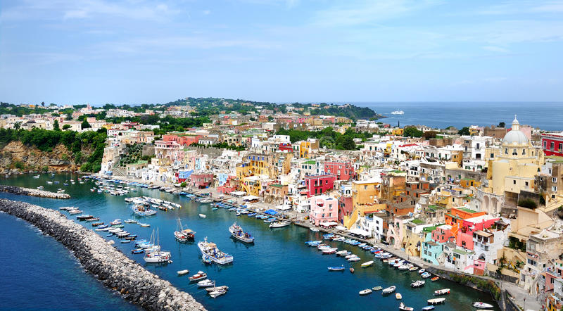 Πανοραμική άποψη νησιών Procida στο Κόλπο της Νάπολης στοκ εικόνες