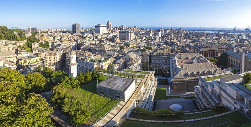 Πανοραμική άποψη οριζόντων της πόλης της Γένοβας, Ιταλία στοκ εικόνα με δικαίωμα ελεύθερης χρήσης