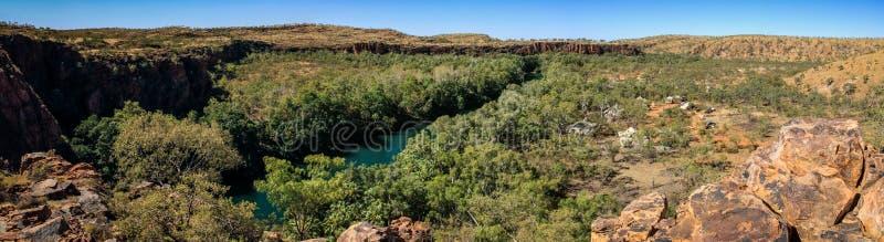 Πανοραμική άποψη πέρα από το φαράγγι Hill χορτοταπήτων, εθνικό πάρκο Hill χορτοταπήτων Boodjamulla, τρόπος σαβανών, Queensland, Α στοκ φωτογραφίες