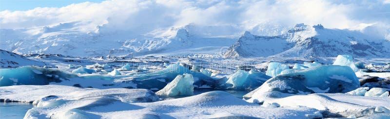 Πανοραμική άποψη παγόβουνων του jokulsarlon στοκ φωτογραφία με δικαίωμα ελεύθερης χρήσης