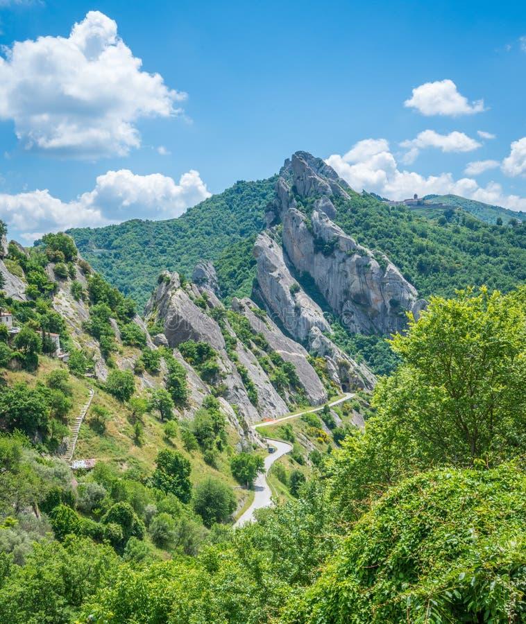 Πανοραμική άποψη στους δολομίτες Lucanian, επαρχία Potenza, Βασιλικάτα στοκ φωτογραφία με δικαίωμα ελεύθερης χρήσης