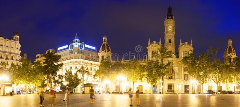 Πανοραμική άποψη της αίθουσας πόλεων Placa del Ajuntament Βαλέντσια στοκ εικόνες