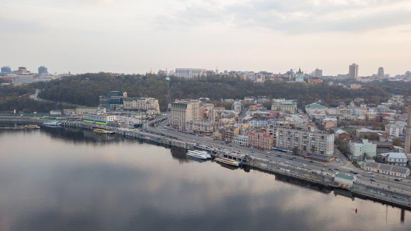 Πανοραμική άποψη της ιστορικής περιοχής Podol του Κίεβου με τον ποταμό Dnieper, Κίεβο, Ουκρανία στοκ φωτογραφία με δικαίωμα ελεύθερης χρήσης