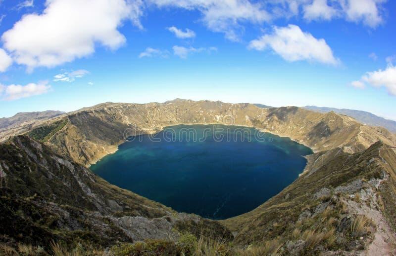 Πανοραμική άποψη της λίμνης κρατήρων Quilotoa, Ισημερινός στοκ φωτογραφίες