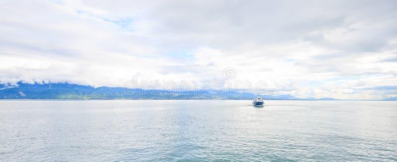 Πανοραμική άποψη της λίμνης GenevaDesign για το υπόβαθρο, σκηνικό, πρότυπο, ταπετσαρία, οθόνη, διάστημα στοκ εικόνες