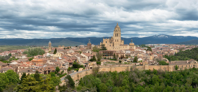 Πανοραμική άποψη της παλαιάς μεσαιωνικής πόλης Segovia, Ισπανία στοκ φωτογραφία με δικαίωμα ελεύθερης χρήσης