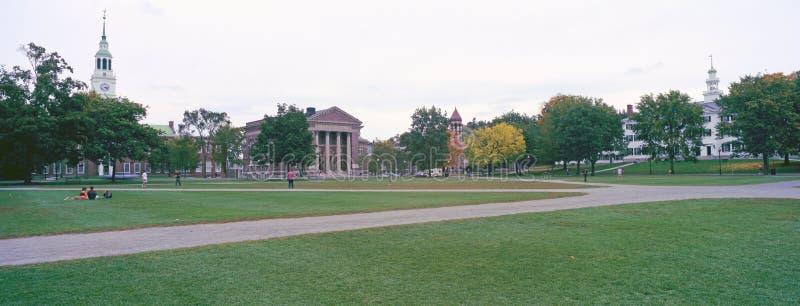Πανοραμική άποψη της πανεπιστημιούπολης του κολλεγίου Dartmouth στο Αννόβερο, Νιού Χάμσαιρ στοκ εικόνες