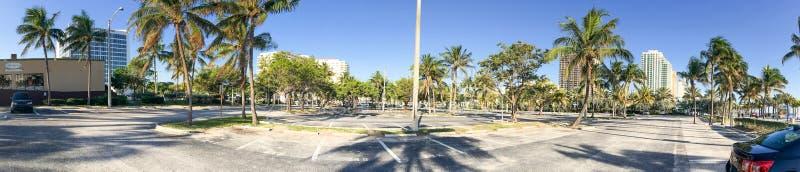 Πανοραμική άποψη της στάθμευσης του Fort Lauderdale κατά μήκος του περιπάτου παραλιών, στοκ φωτογραφία με δικαίωμα ελεύθερης χρήσης
