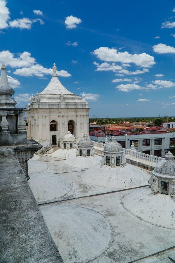 Πανοραμική άποψη της στέγης του καθεδρικού ναού του Leon, Νικαράγουα στοκ εικόνες
