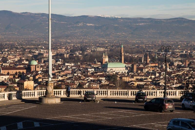 Πανοραμική άποψη του Βιτσέντσα και της βασιλικής Palladiana στοκ εικόνες