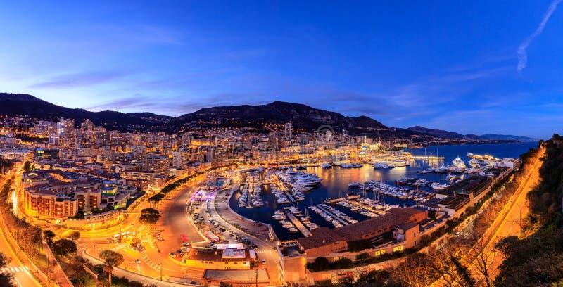 Πανοραμική άποψη του λιμανιού του Μόντε Κάρλο στο Μονακό στοκ φωτογραφίες
