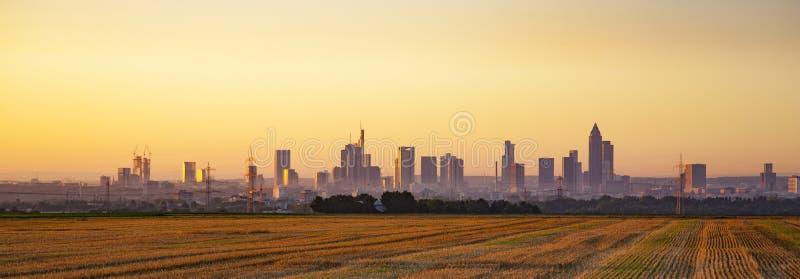 Πανοραμική άποψη του κεντρικού αγωγού της Φρανκφούρτης οριζόντων, Γερμανία στοκ εικόνα με δικαίωμα ελεύθερης χρήσης