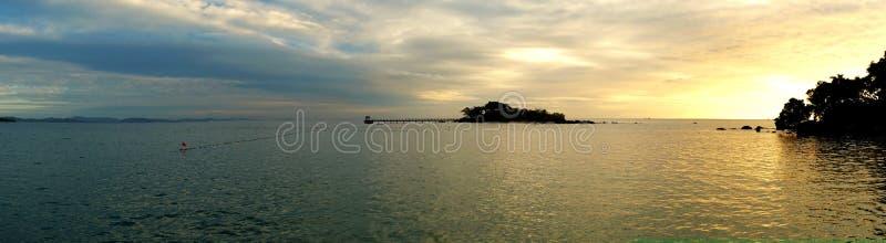 Πανοραμική άποψη του νησιού νυχιών από Phu Quoc, Βιετνάμ στο όμορφο ηλιοβασίλεμα στοκ φωτογραφίες