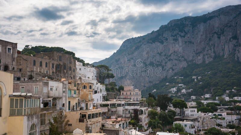 Πανοραμική άποψη του νησιού Capri στην Ιταλία στοκ εικόνα με δικαίωμα ελεύθερης χρήσης