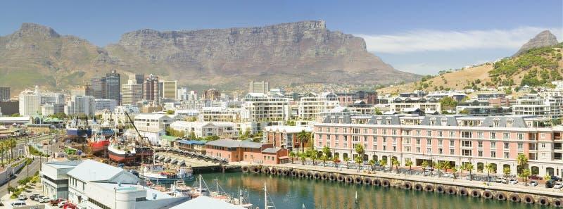 Πανοραμική άποψη του ξενοδοχείου της Grace ακρωτηρίων και της προκυμαίας, Καίηπ Τάουν, Νότια Αφρική στοκ εικόνες