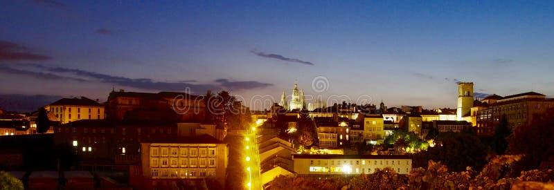 Πανοραμική άποψη του Σαντιάγο de Compostela από το πάρκο Belvis στοκ εικόνες με δικαίωμα ελεύθερης χρήσης