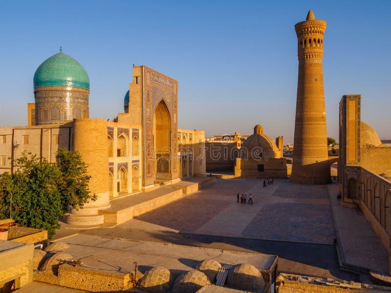Πανοραμική άποψη του σύνθετου POI Kolon - μουσουλμανικό τέμενος Kolon και μιναρές Μπουχάρα, Ουζμπεκιστάν στοκ φωτογραφία με δικαίωμα ελεύθερης χρήσης