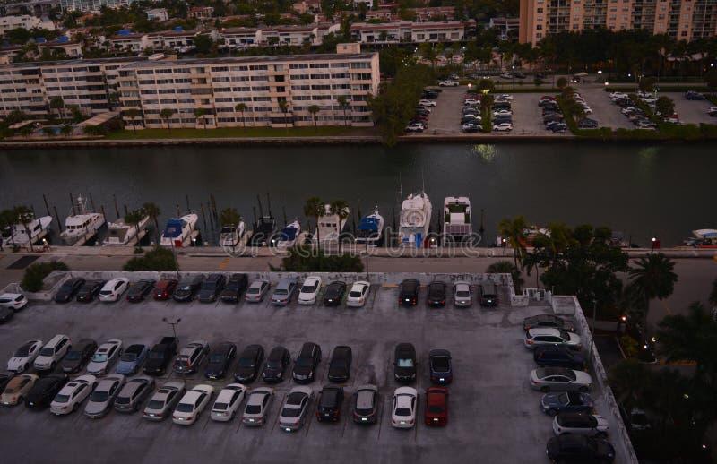 Πανοραμική άποψη του χώρου στάθμευσης στοκ φωτογραφίες με δικαίωμα ελεύθερης χρήσης