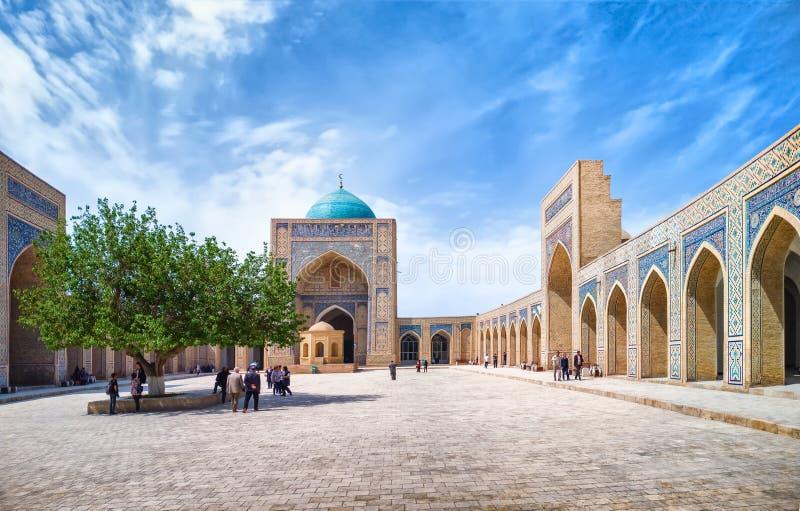 Πανοραμική άποψη του POI Kalan - ισλαμικός θρησκευτικός ένας σύνθετος που βρίσκεται γύρω από το μιναρές Kalan στη Μπουχάρα, Ουζμπ στοκ εικόνα