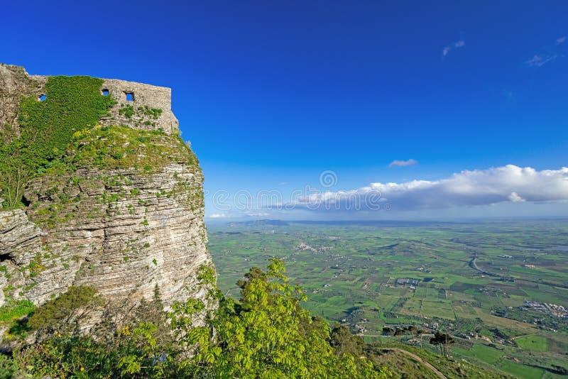 Πανοραμική άποψη των αρχαίων φρουρίων της πόλης Ιταλία Erice στοκ εικόνες