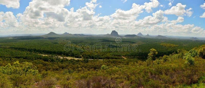 Πανοραμική άποψη των βουνών σπιτιών γυαλιού στο Queensland, Αυστραλία στοκ φωτογραφίες με δικαίωμα ελεύθερης χρήσης