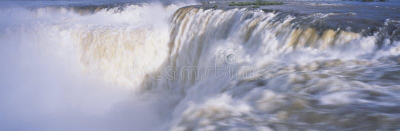 Πανοραμική άποψη των καταρρακτών Iguazu σε Parque Nacional Iguazu, Garganto del Diablo Salto ένωση, σύνορα της Βραζιλίας και της  στοκ φωτογραφία