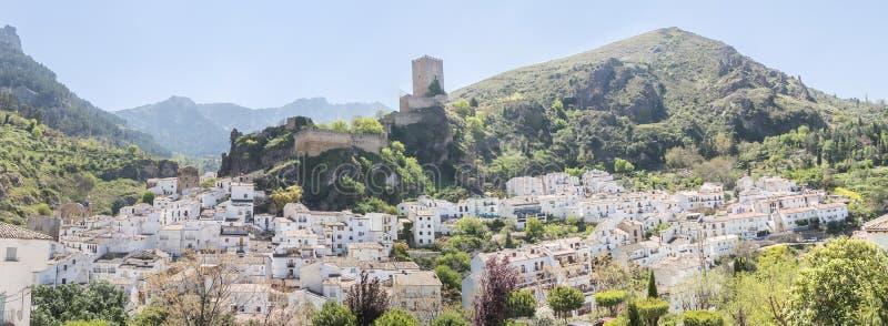 Πανοραμική άποψη Cazorla του χωριού, στην οροσειρά de Cazorla, Jae στοκ φωτογραφία