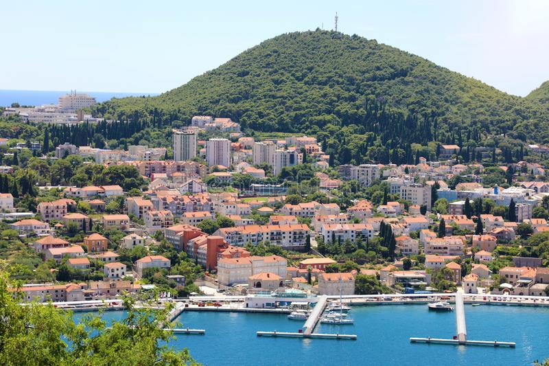 Πανοραμική άποψη Dubrovnik με το λιμάνι, Κροατία, Ευρώπη στοκ εικόνα
