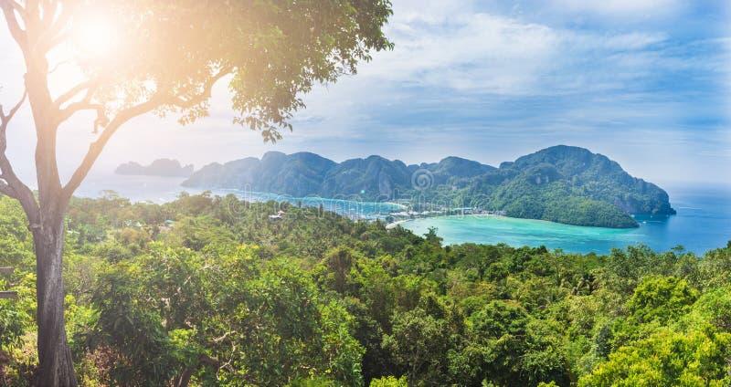 Πανοραμική άποψη Phi Phi του νησιού, Ταϊλάνδη στοκ εικόνες με δικαίωμα ελεύθερης χρήσης