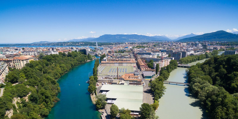 Πανοραμική εναέρια άποψη Arve ένας ποταμός Ροδανού συμβάλλων σε Genev στοκ εικόνα με δικαίωμα ελεύθερης χρήσης