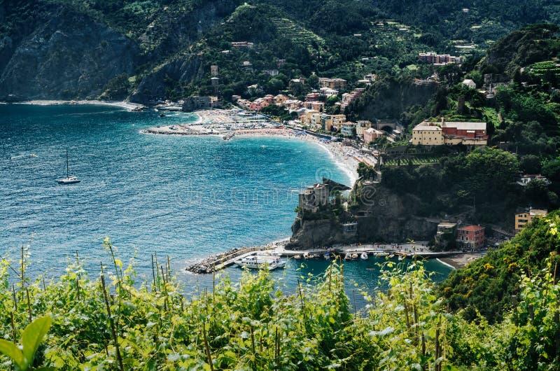 Πανοραμική εναέρια φυσική επισκόπηση της φοράδας Al Monterosso, ένα από τα χωριά Cinque Terre, Λα Spezia, Λιγυρία, Ιταλία επαρχιώ στοκ φωτογραφίες με δικαίωμα ελεύθερης χρήσης