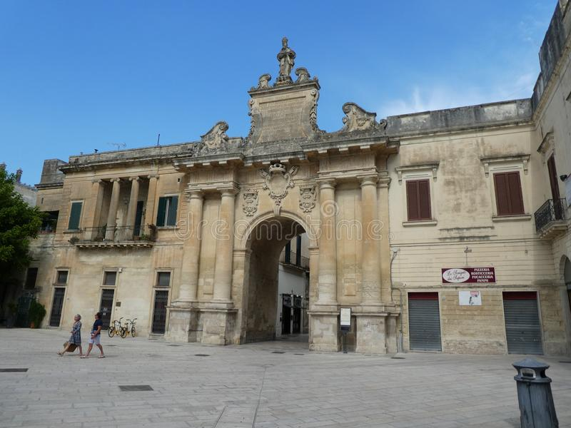 Πανοραμική ιστορική πόλη Lecce στη νότια πύλη τοίχων πόλεων της Ιταλίας Apulia Ιταλία ιταλική ρομαντική στοκ εικόνα