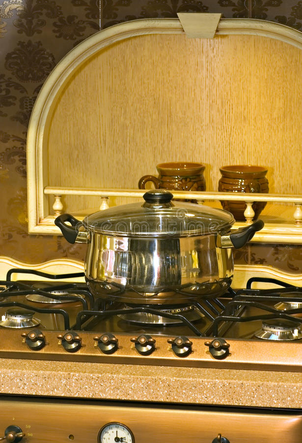 Download πανοραμική λήψη μετάλλων στοκ εικόνα. εικόνα από μαγείρεμα - 13186845