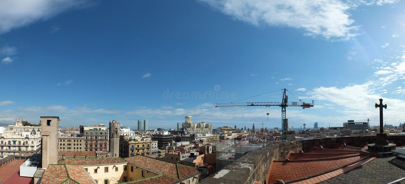 Πανοραμική μακροχρόνια εικόνα της πόλης της Βαρκελώνης που παρουσιάζει κτήρια στοκ εικόνα