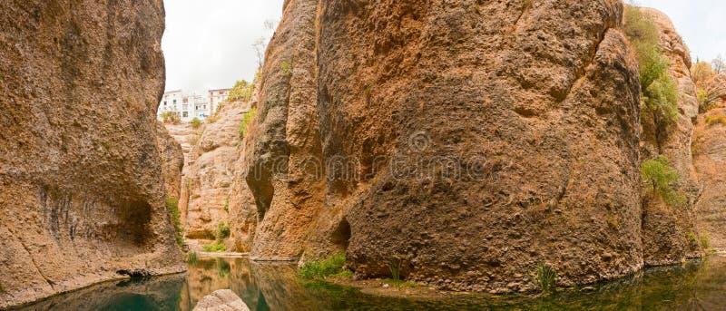 Πανοραμική φωτογραφία του ποταμού Guadalevin. στοκ φωτογραφία