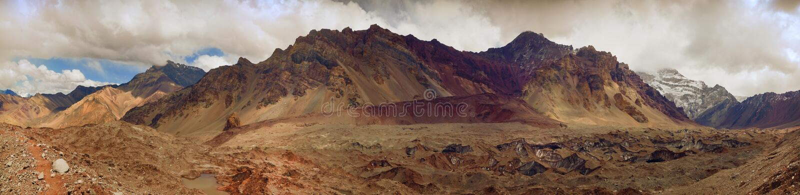 πανοραμική όψη βουνών στοκ εικόνα