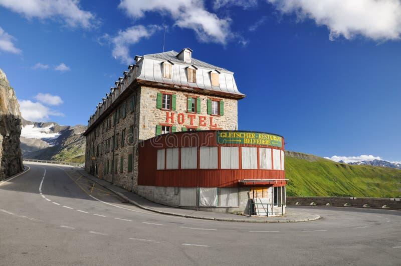 Πανοραμικός πυργίσκος ξενοδοχείων στο πέρασμα Furka σε Wallis - την Ελβετία στοκ εικόνα με δικαίωμα ελεύθερης χρήσης