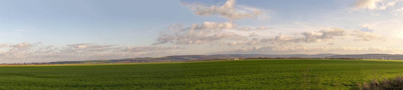 Πανοραμικό τοπίο σε Thuringia με τις γεννήτριες αέρα και αγροτικός στοκ φωτογραφία με δικαίωμα ελεύθερης χρήσης