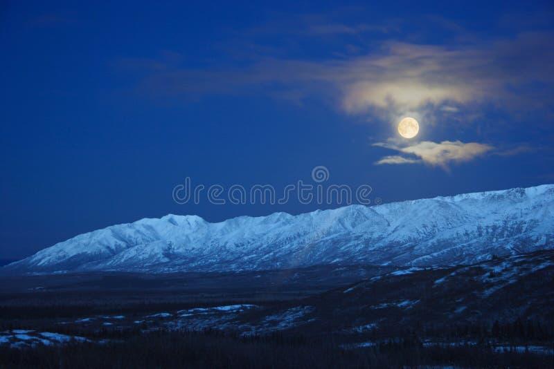Download πανσέληνος της Αλάσκας πέ&r Στοκ Εικόνα - εικόνα από κορυφή, albedo: 396733